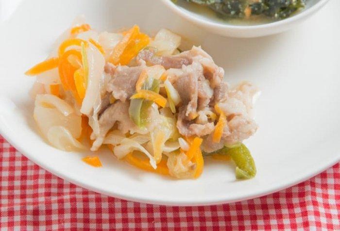 ウェルネスダイニング 豚肉と玉ねぎの味噌炒め8