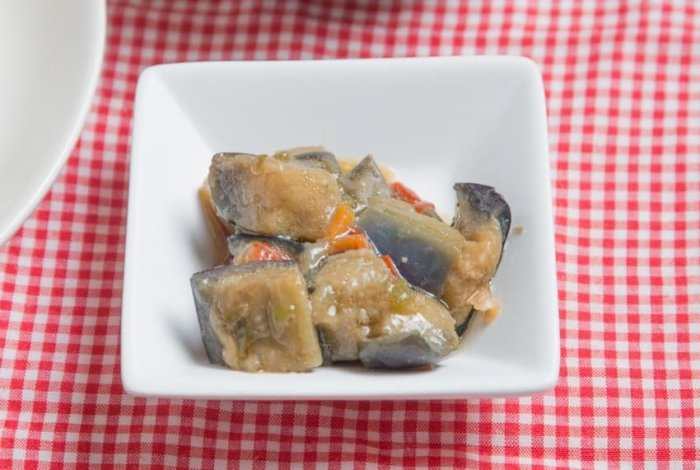 ウェルネスダイニング 豚肉と玉ねぎの味噌炒め14