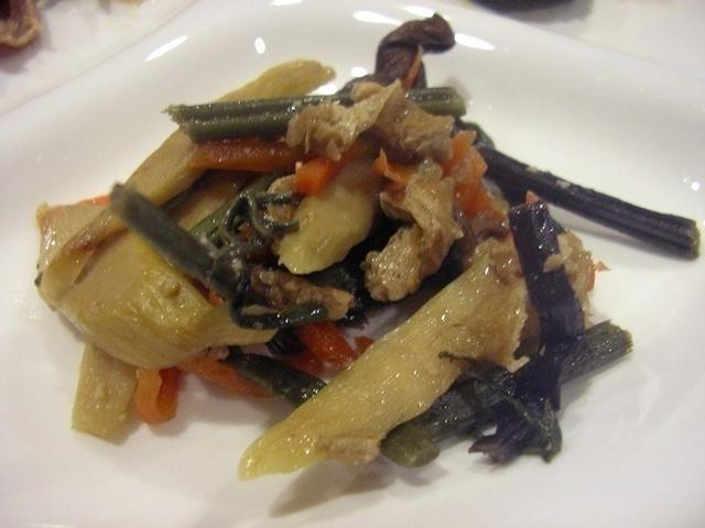 ウェルネスダイニング 豚肉と細切り野菜の炒め物15