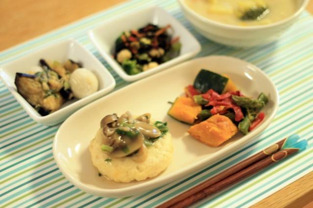 おまかせ健康三彩 豆腐ハンバーグきのこソース2