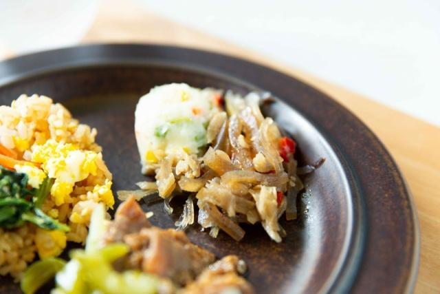 ニチレイフーズ 焼肉と五穀のビビンバ14