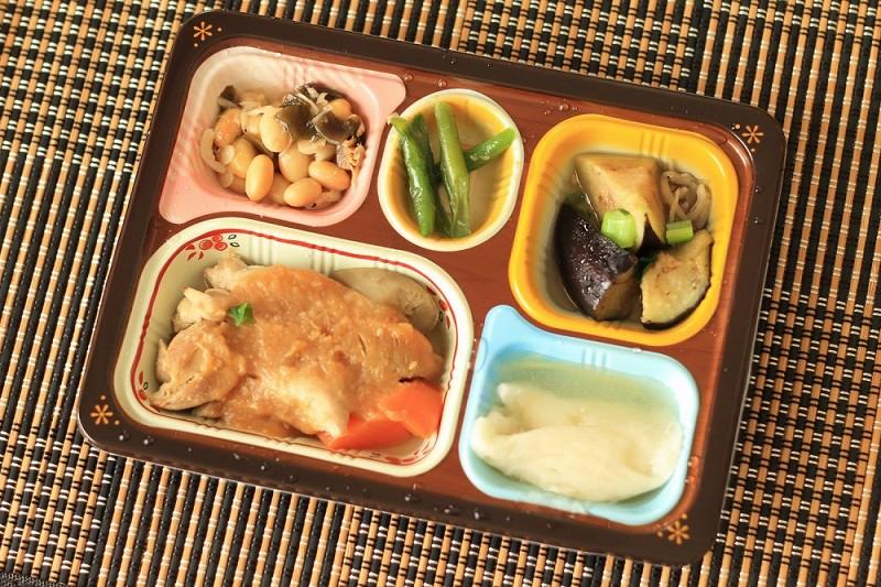 食宅便 鶏肉の胡麻味噌煮4