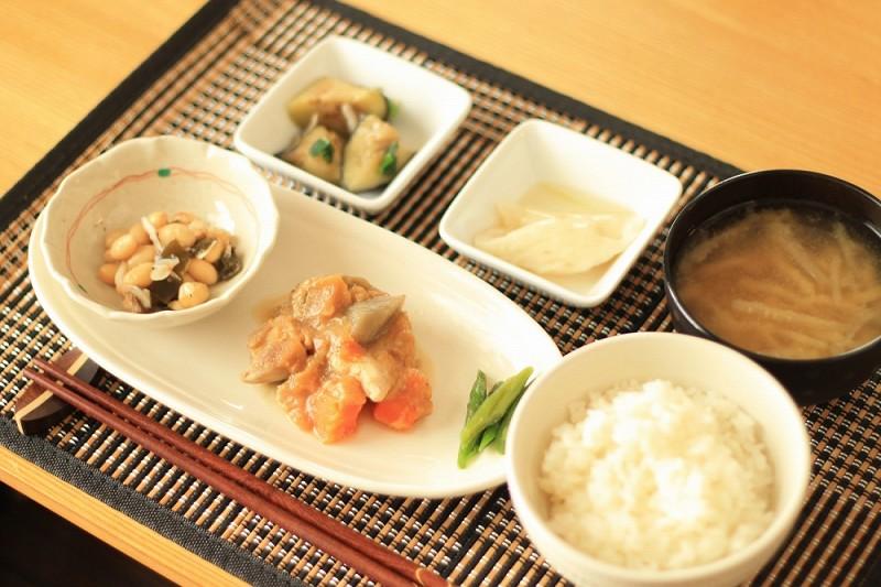 食宅便 鶏肉の胡麻味噌煮5
