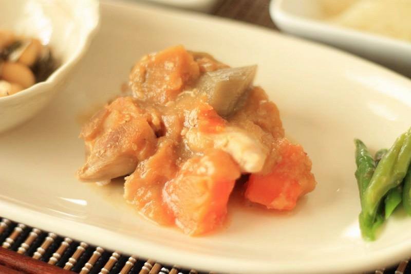 食宅便 鶏肉の胡麻味噌煮12