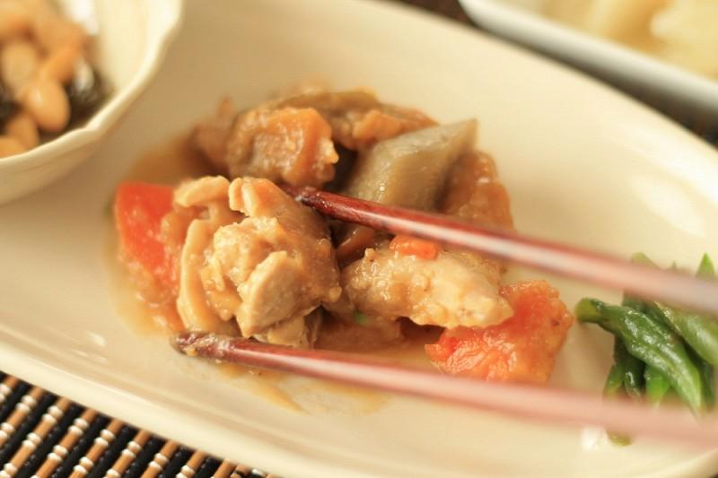食宅便 鶏肉の胡麻味噌煮16